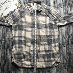 American Eagle Outfitters Tops - American Eagle Outfitters Button Down Shirt